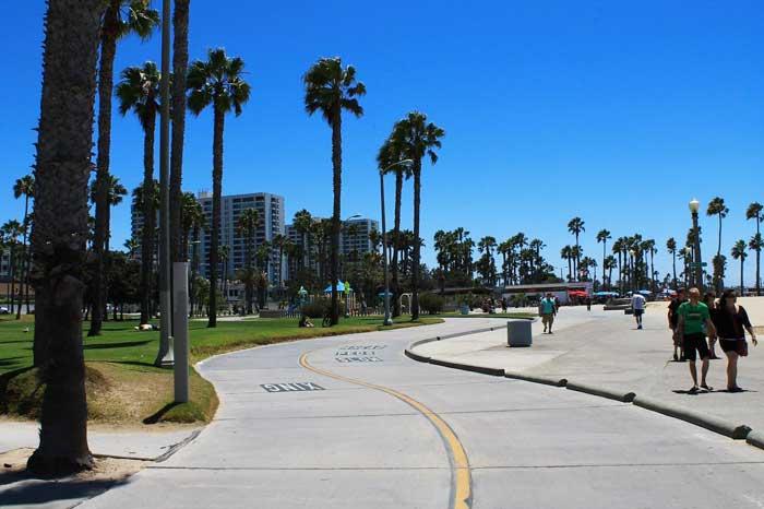 Santa-Monica Radweg unter Palmen